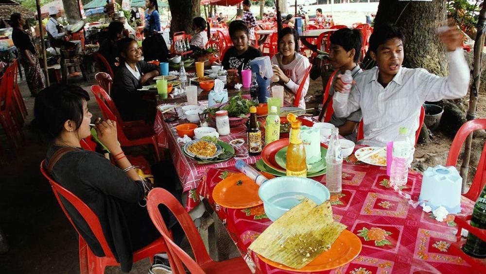 lunch-cambodia-iicamp.jpg